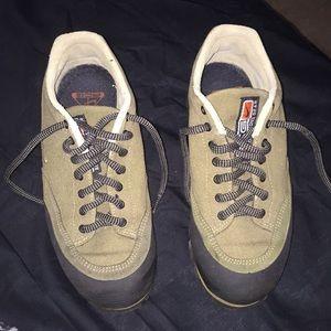 Nike women's size 6 1/2 ACG hiking or outdoor shoe